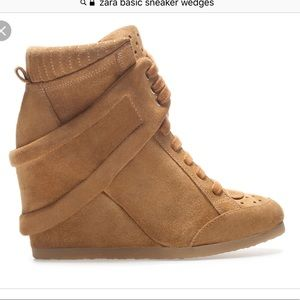 🍂🍁ZARA Wedge Boot 🍁🍂